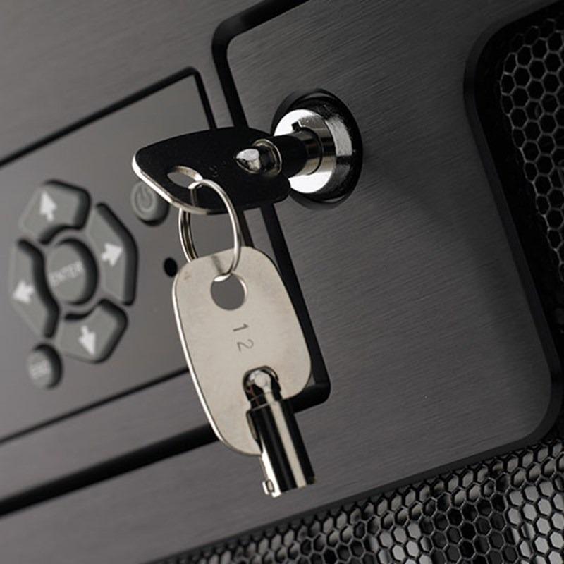SecureNAS CX-80KSD-X Portable Server (Key)